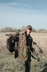 Bow_hunting_turkey_04022009A